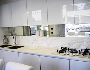 Cucina lineare design Vetro Arredo3 a prezzo ribassato