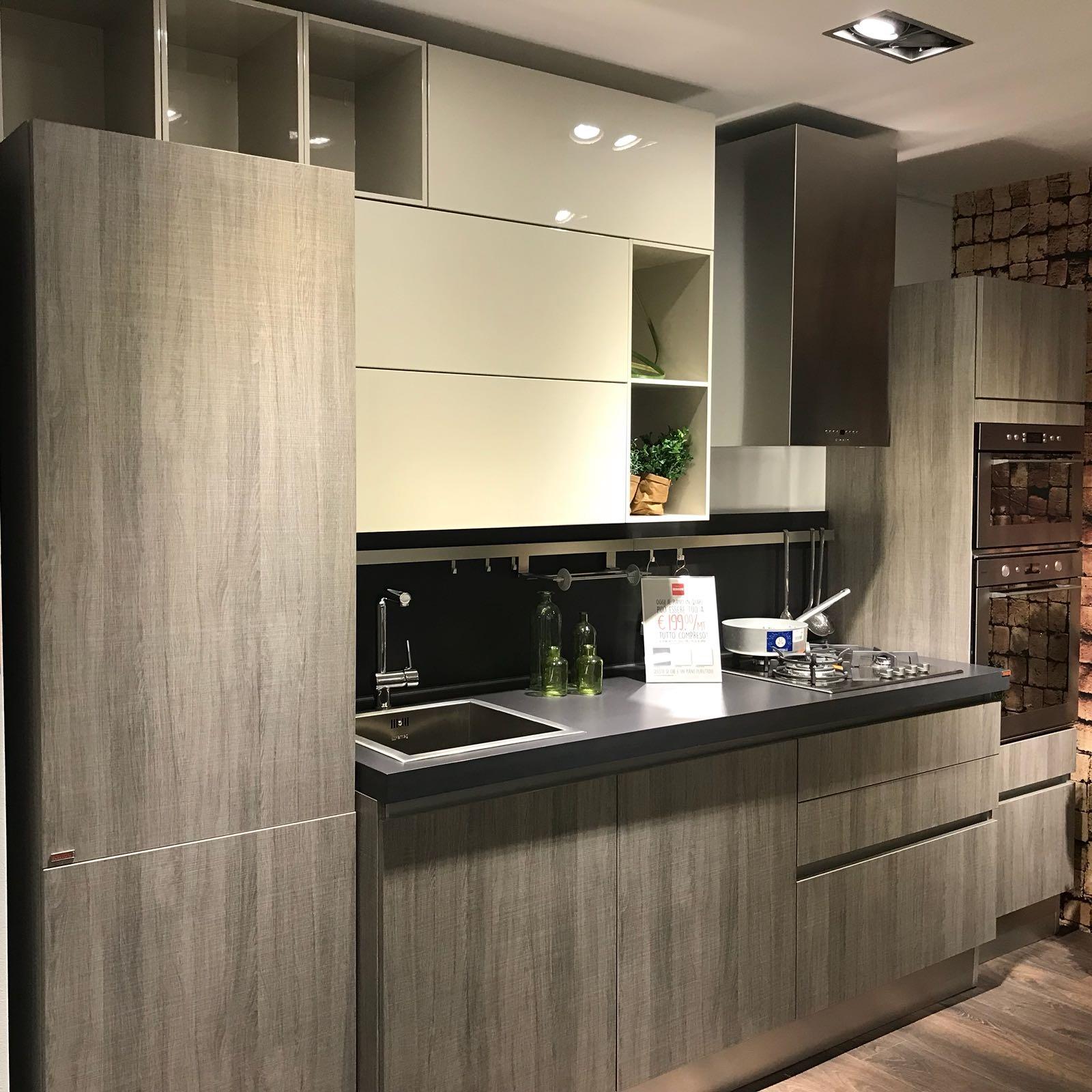 Cucine Scavolini Udine : Cucina lineare lavello sottofinestra i miscelatori