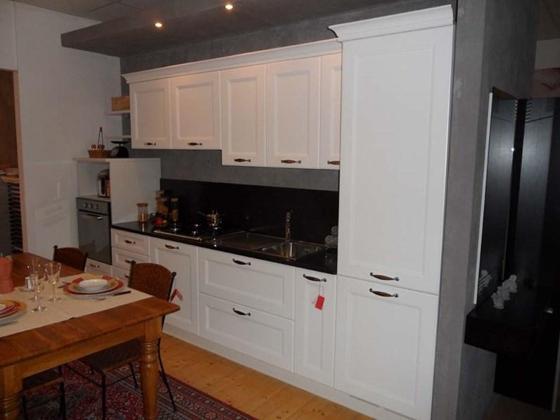 Cucina lineare in laccata a prezzo ribassato 50 - Outlet arredamento cucine ...