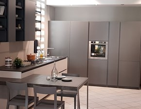 Cucina lineare in laccato opaco a prezzo scontato 55%