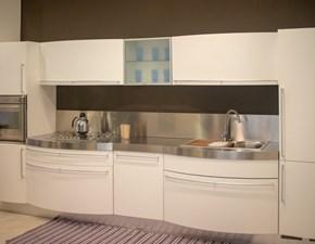 Cucina lineare in laccato opaco bianca Brilla a prezzo ribassato