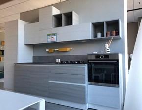 Cucina lineare in laccato opaco bianca Mango a prezzo ribassato