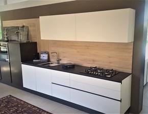 Cucina lineare in laccato opaco bianca Maxima a prezzo ribassato