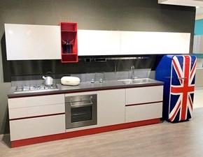 Cucina lineare in laminato lucido a prezzo ribassato
