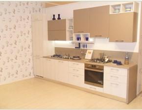 Cucina lineare in laminato materico bianca Cloe a prezzo ribassato