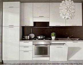 Cucina lineare in laminato materico bianca Quadra03 a prezzo ribassato