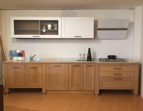 Cucina lineare in legno a prezzo scontato 50%
