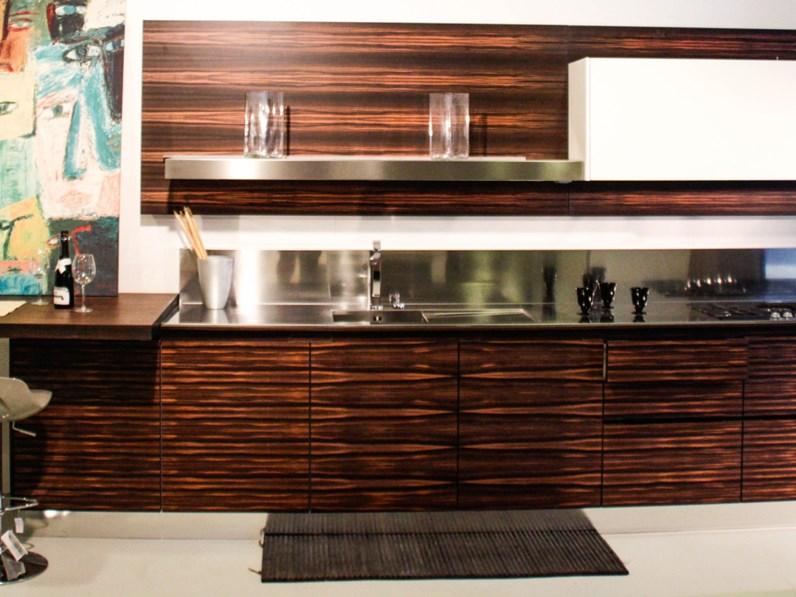 Cucina lineare in legno a prezzo scontato 58%