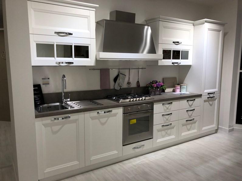 Cucina lineare in legno bianca Beverly finitura biancospino a prezzo  scontato
