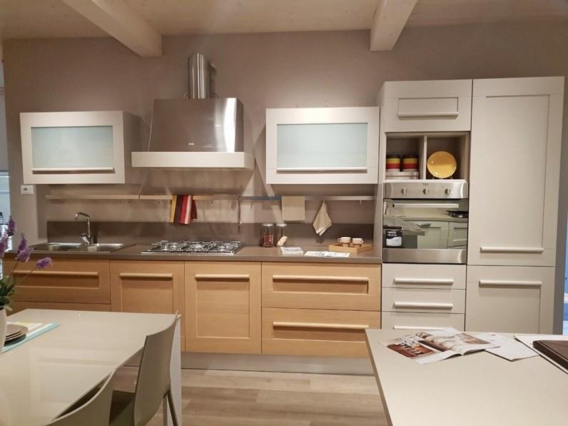 Cucina lineare in legno rovere chiaro gallery a prezzo - Cucine in legno chiaro ...