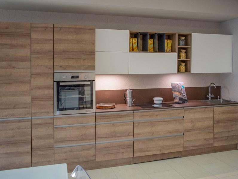 Cucine Moderne In Rovere Chiaro.Cucina Lineare In Legno Rovere Chiaro Riva A Prezzo Scontato