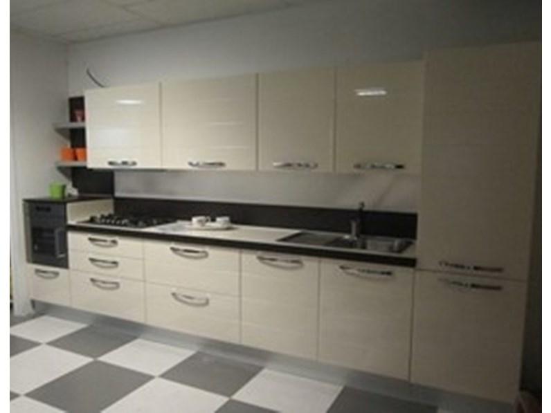 Cucina lineare in polimerico lucido bianca edi 2 polimerico lucido senza elettrodomestici in - Cucine senza elettrodomestici ...