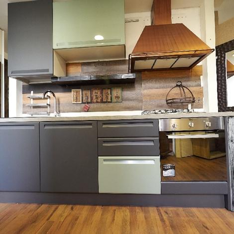 Cucina lineare industrail green in offerta expo complata di cappa franke rame cucine a prezzi - Cucine di design in offerta ...