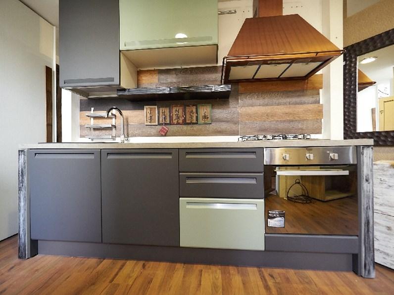 cucina lineare industrail green in offerta expo complata di cappa franke  rame