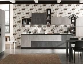 cucina lineare industriale con colonne grigio cemento in offerta nuovimondi