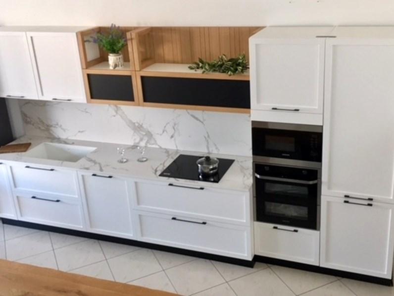 Cucina lineare laccato bianco dibiesse piano dekton completa - Cucina laccato bianco ...