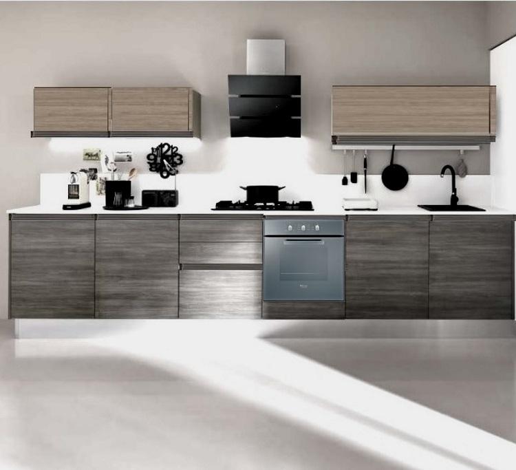 Cucina lineare maniglia gola titanio brown e grigio - Cucine in linea moderne ...