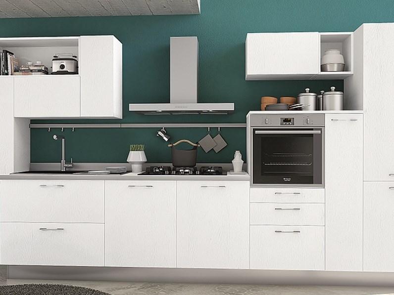 Cucina lineare moderna Cucina componibile mod.astro di essebicucine  scontata del 35% Essebi cucine a prezzo ribassato