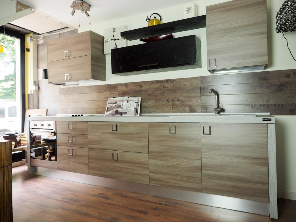 cucina lineare moderna essenza olmo e bambu - Cucine a prezzi scontati
