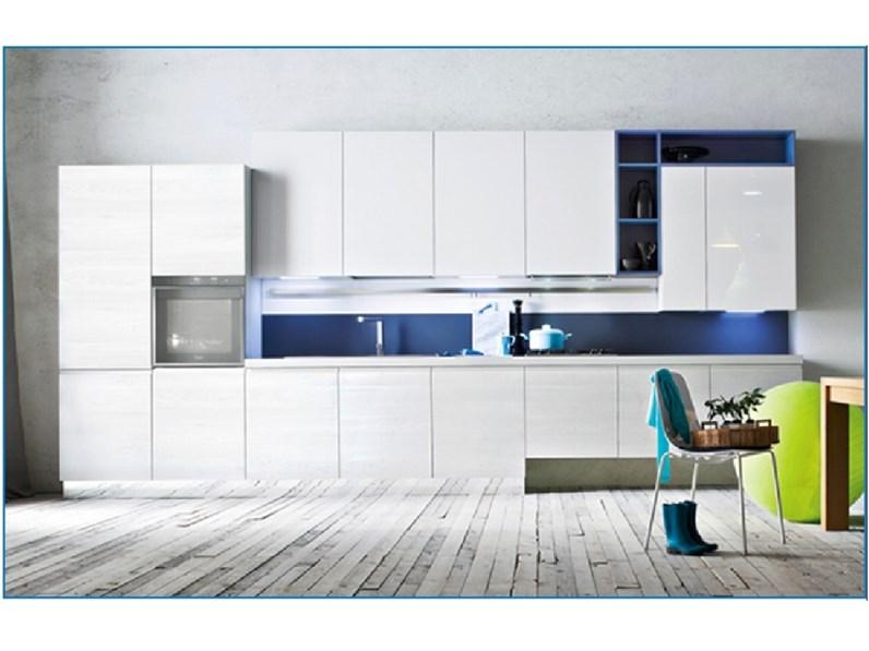 Cucina lineare moderna Fly Ar-tre a prezzo ribassato