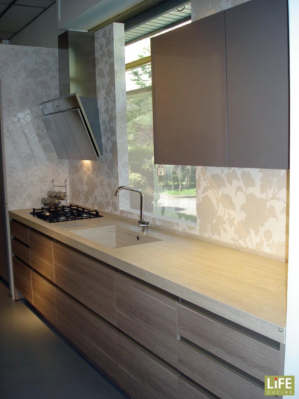 Cucina lineare moderna life su 2 pareti scontata del 40 for Parati cucina
