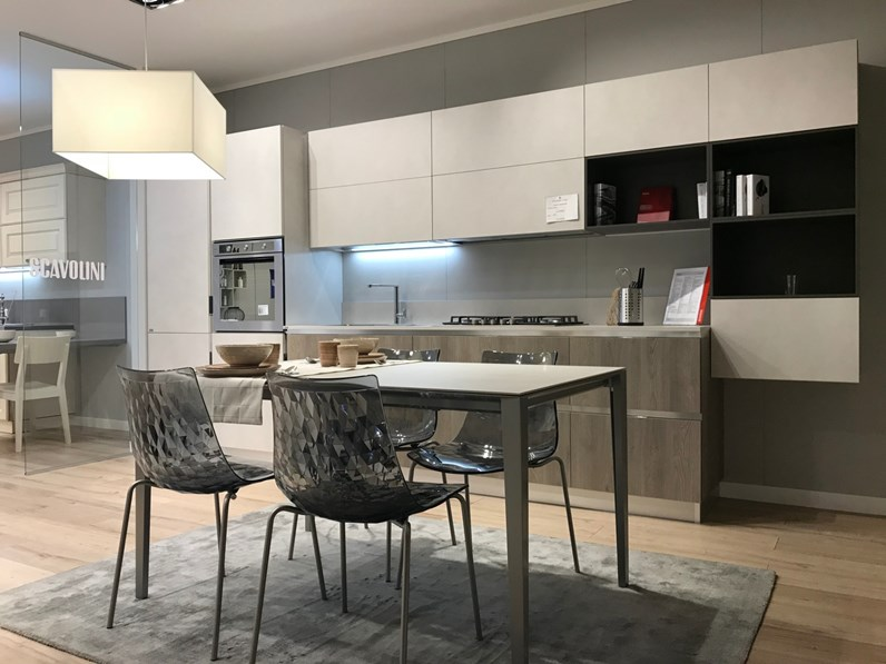Cucina lineare moderna mood scavolini for Arredamenti roma outlet