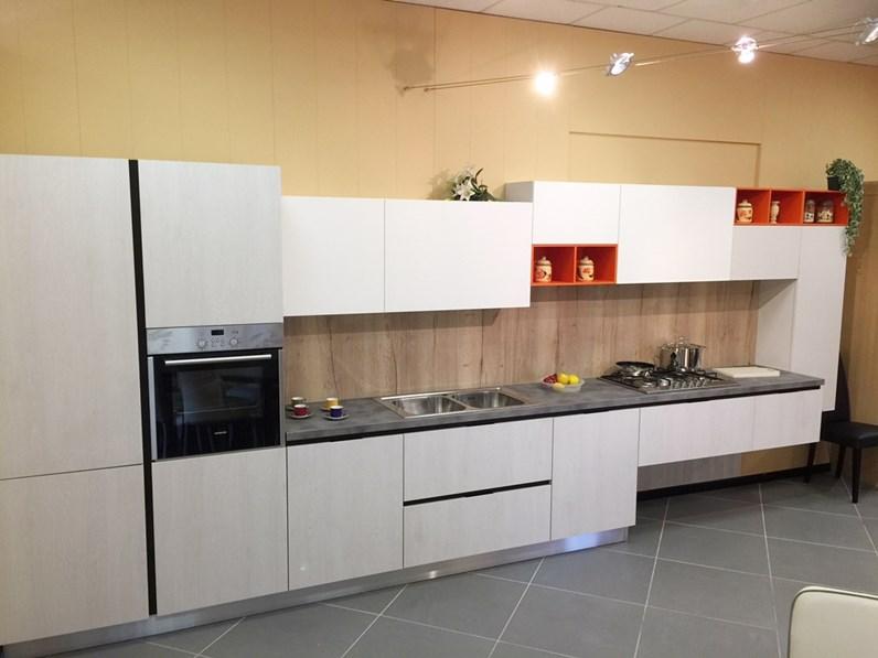 Cucina lineare moderna Time Idema casa a prezzo ribassato