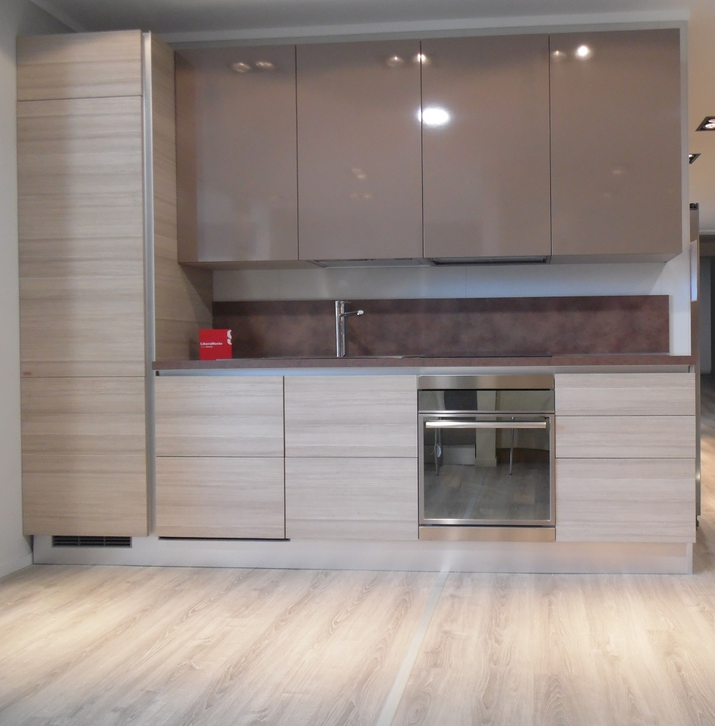 Cucina lineare Scavolini Liberamente PROMOZIONE BATTERIA DI PENTOLE ...