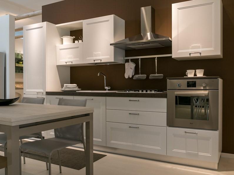 Cucina lineare scavolini modello colony scontata del 40 - Cucine lineari moderne ...