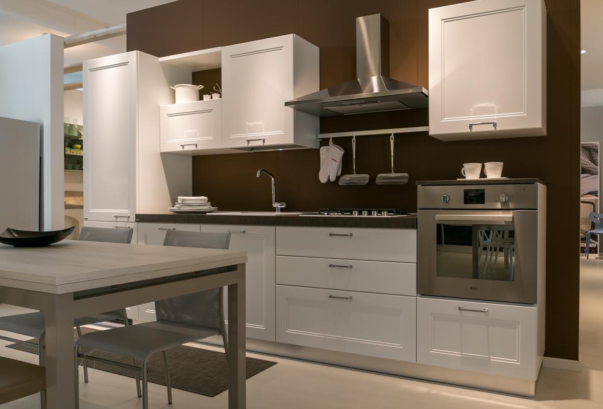 Cucina lineare scavolini modello colony scontata del 28 cucine a prezzi scontati - Cucine scavolini foto ...