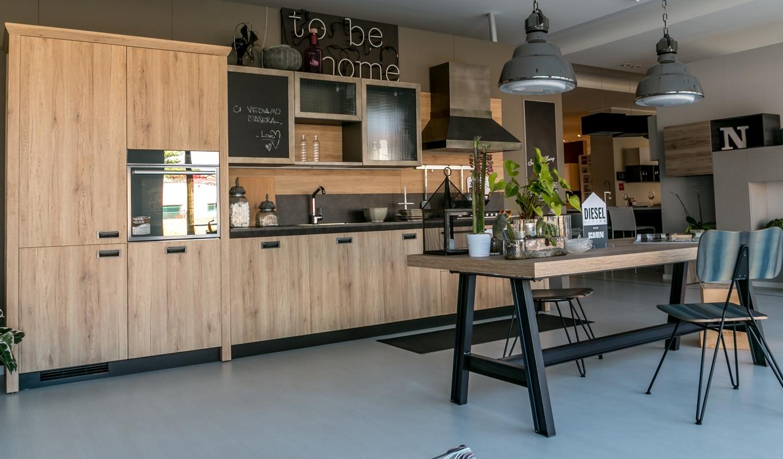 Cucina lineare scavolini modello diesel scontata cucine - Prezzo cucine scavolini ...