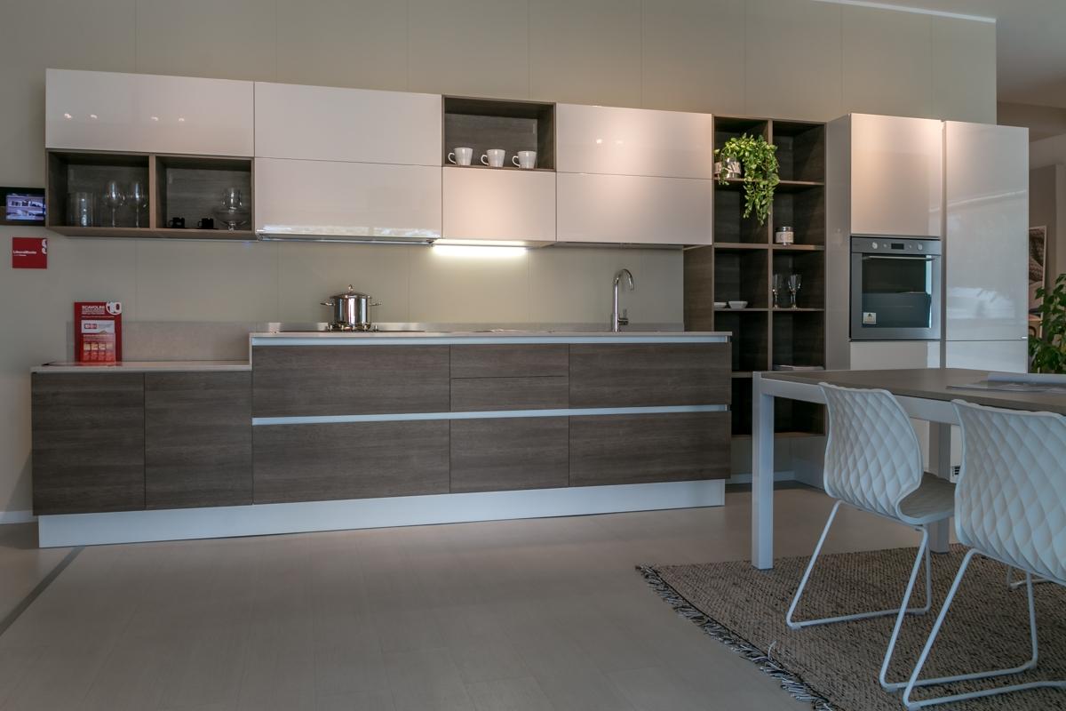 Cucina lineare scavolini modello liberamente scontata for Offerte cucine lineari