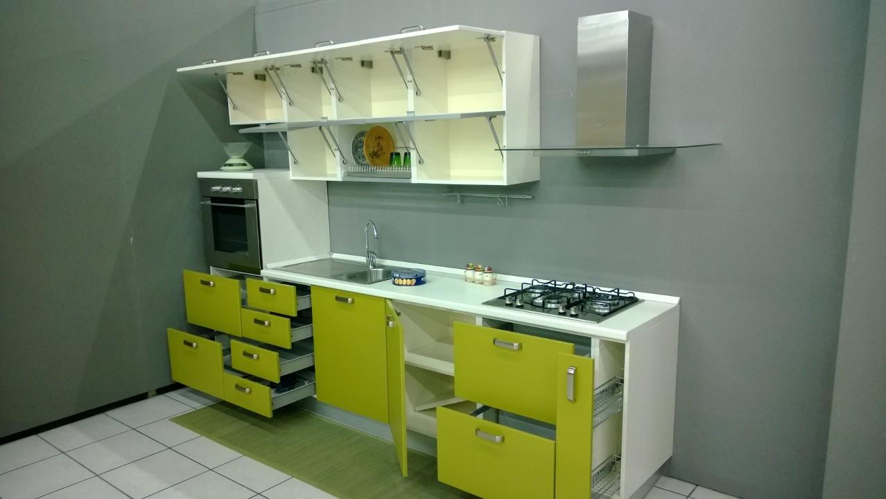 Cucina lineare scontatissima - Cucine a prezzi scontati