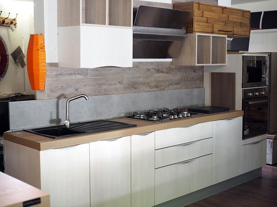 Cucina lineare vintage shabby chic tranche' in offerta convenienza ...