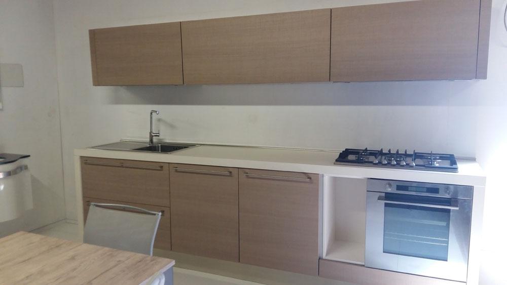 Cucina lineare in legno zecchinon cucine scontata del 62 cucine a prezzi scontati - Cucine zecchinon ...