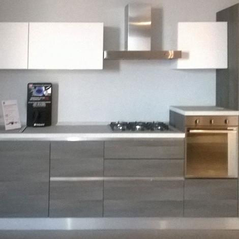 Cucina lops outlet lube essenza cucine a prezzi scontati - Cucina essenza lube ...