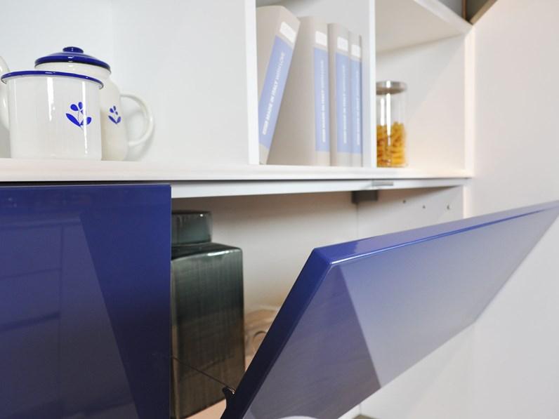 Cucina lube brava ad isola completa di elettrodomestici in for Cucine di marca in offerta