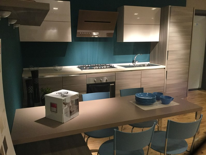 Cucina lube cucine essenza polimerico scontato del 45 - Cucina essenza lube ...