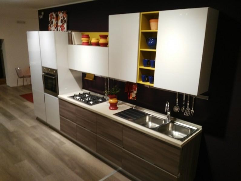 Cucina lube cucine essenza polimerico for Mensola bianca lucida