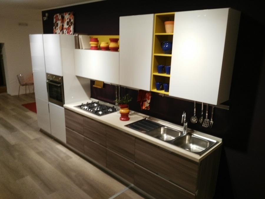 Cucina lube cucine essenza polimerico cucine a prezzi scontati - Cucina essenza lube ...