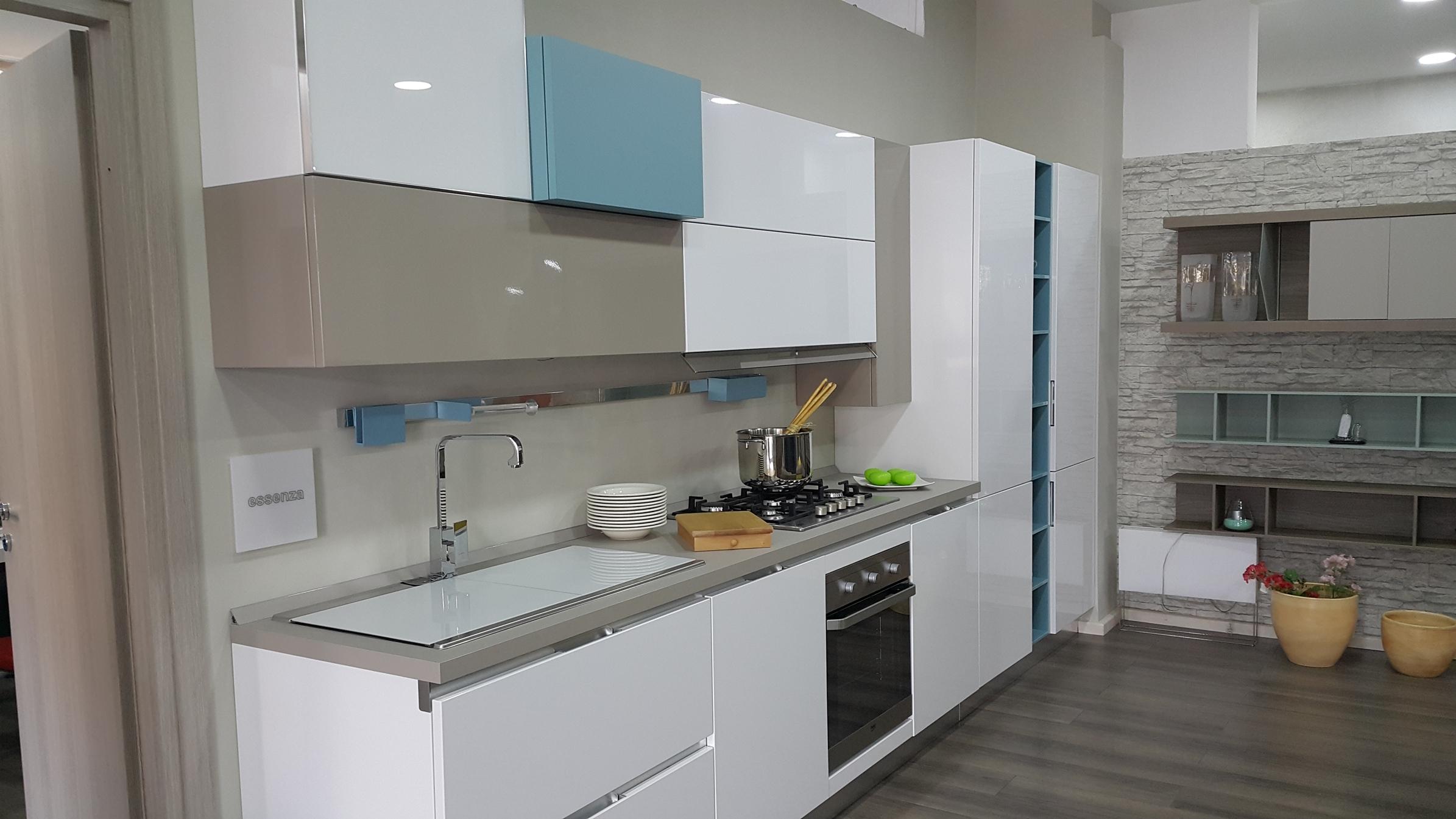 lube cucina modello essenza cucine a prezzi scontati. Black Bedroom Furniture Sets. Home Design Ideas