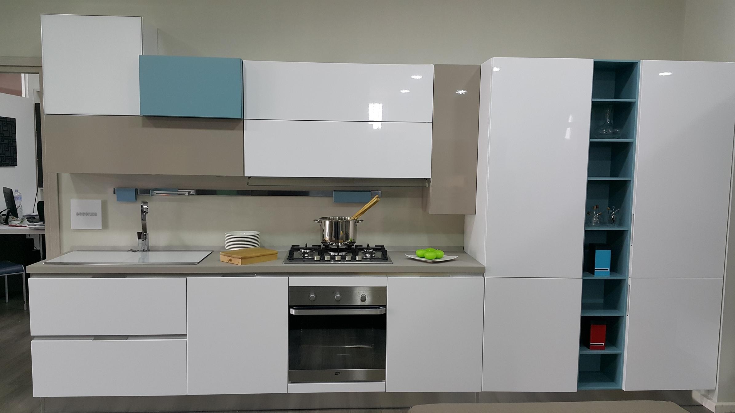 Cucina Essenza Lube ~ Idee Creative su Design Per La Casa e Interni