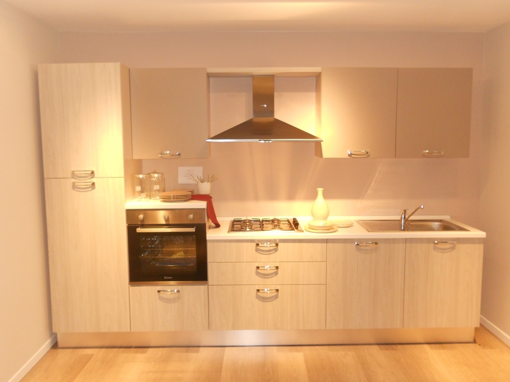 Cucina lube cucine gayla laminato opaco cucine a prezzi scontati - Cucine lube in offerta ...
