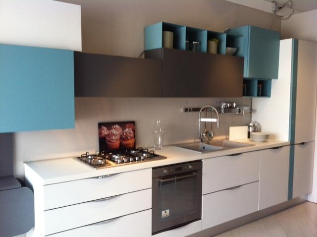 Cucina lube cucine immagina scontato del 30 cucine a prezzi scontati - Cucina lube immagina ...