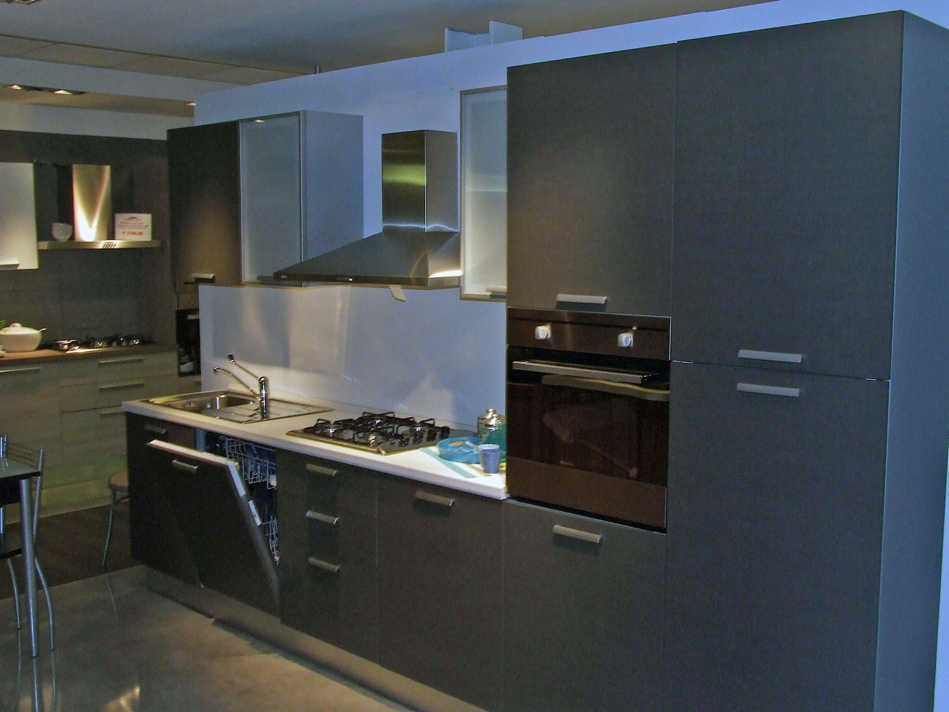 Cucina lube cucine lubiana scontato del 39 cucine a - Cucina grigio antracite ...