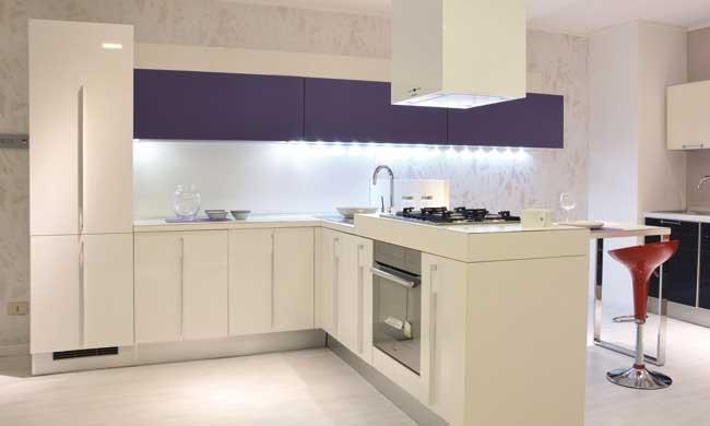 Cucina Lube Cucine Nilde Moderna Laccato Lucido bianca - Cucine a ...