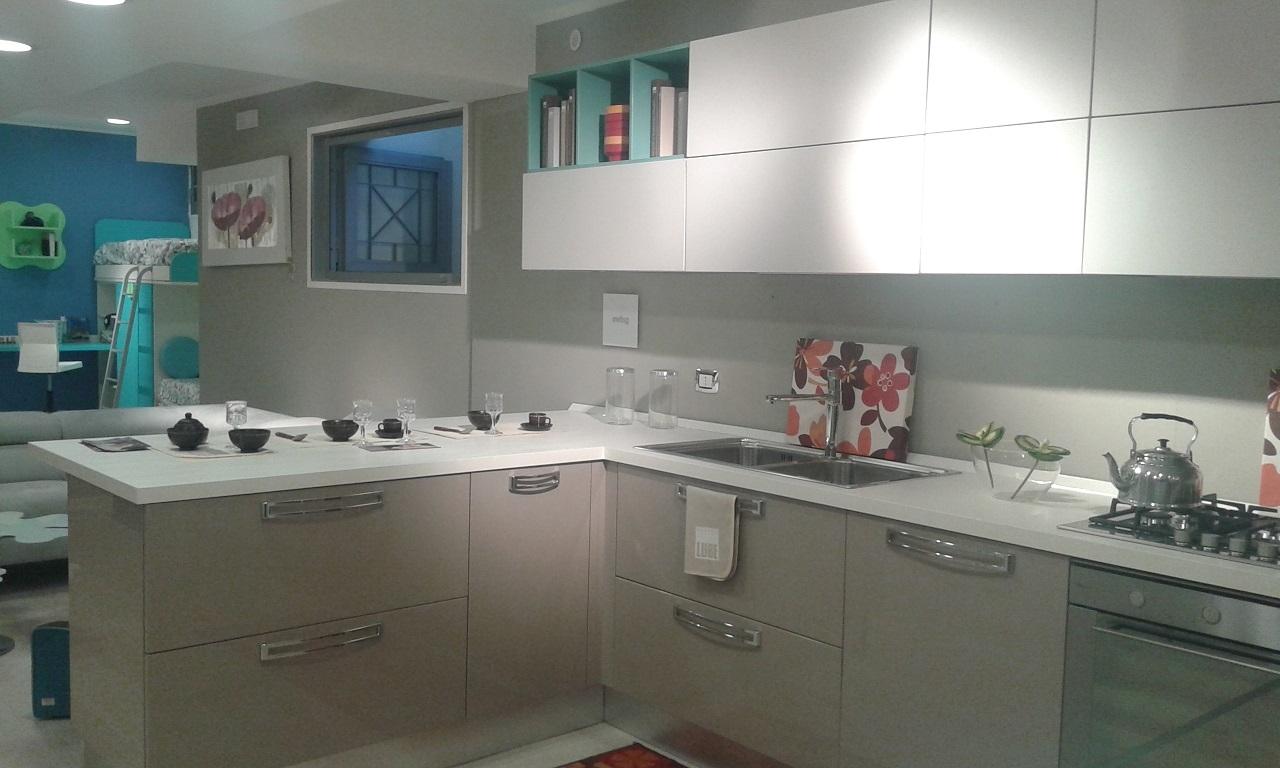 Cucine lube swing prezzi idee per interni e mobili - Prezzi cucine lube ...