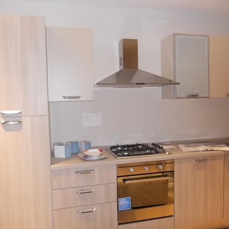 Cucina lube cucine alma lineare laminato cucine a prezzi - Cucina 3 metri completa elettrodomestici indesit prezzi ...