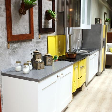 Offerta Cucina Lube Mod. Gallery in Frassino Bianco con Isola ...