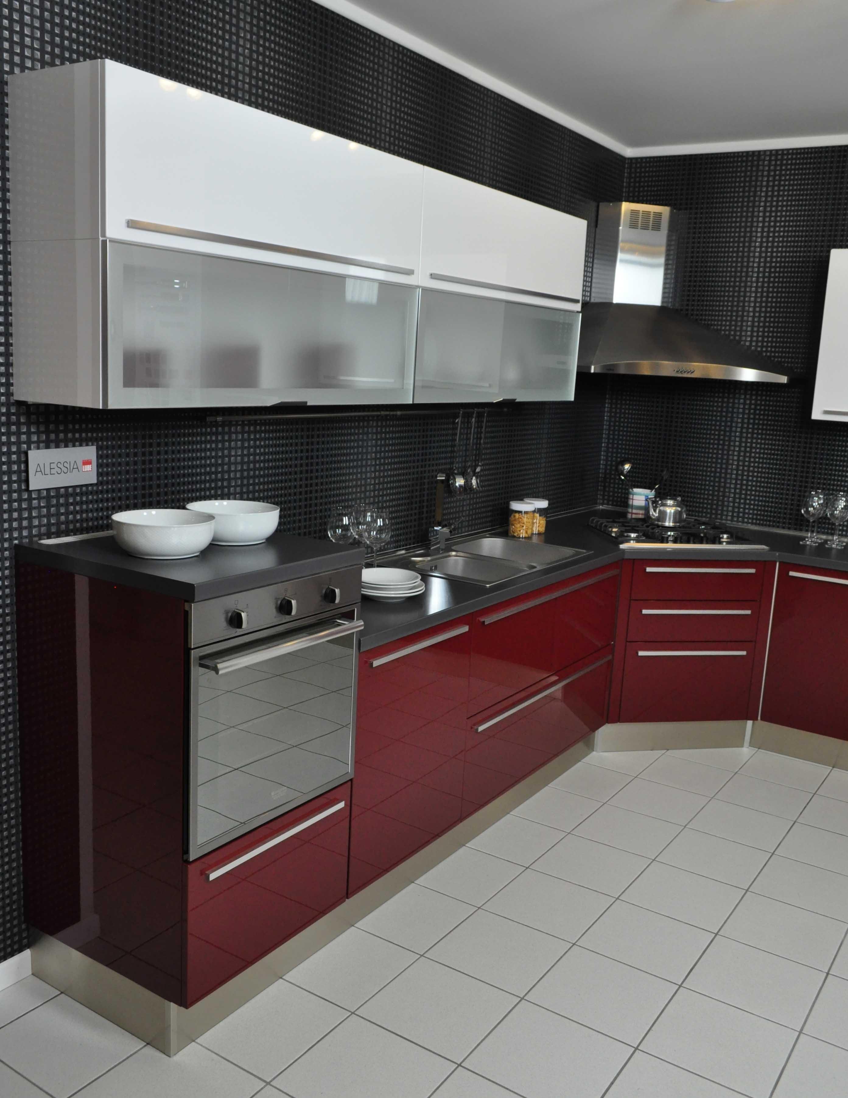 Cucina lube modello alessia completa di elettrodomestici e for Accessori per cucina moderna